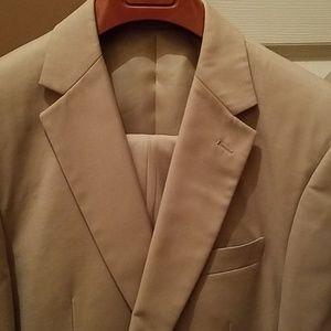 Giorgio Fiorelli 40R two piece tan suit